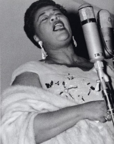 Ella_fitzgerald_singing