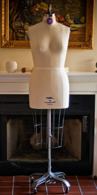 Sewing_rooms_mannequin_eb