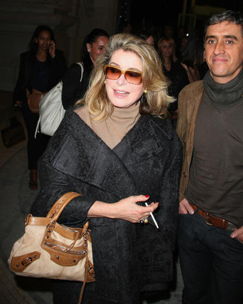 Catherine-deneuve_clutch