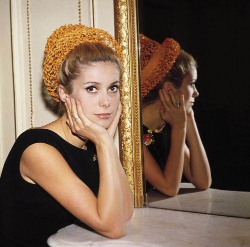 Catherine-Deneuve-sheath